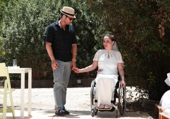 נינה ודוד קסל ביום חתונתם. צילום: קרן לחמן